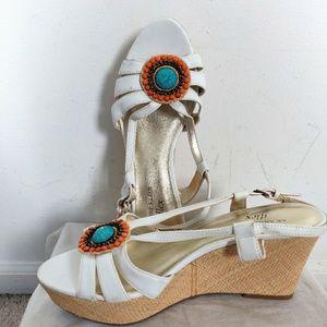 NWOB Anne Klein White Leather Jewelled Sandals 9